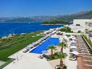 The Valamar President Dubrovnik features accommodations in spacious, comfortably furnished rooms