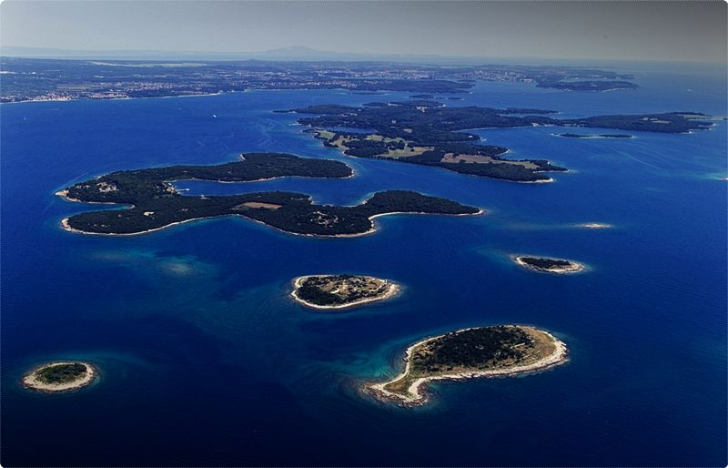 National Park Brijuni – Brijuni consists of 14 islands and islets. Thanks to its indented coastline, diverse flora and fauna, Brijuni is sometimes referred to as Heaven on Earth.