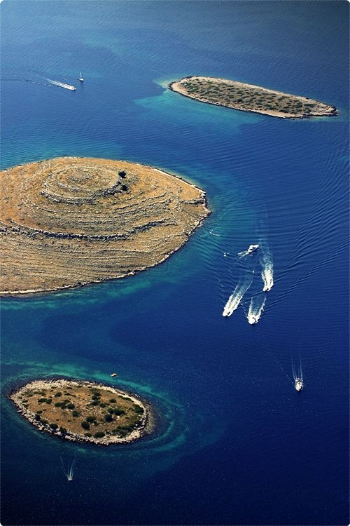 Kornati islands offer endless opportunities for sailing, swimming, snorkeling, but also eating as there are great restaurants in some of many lovely bays across the archipelago.